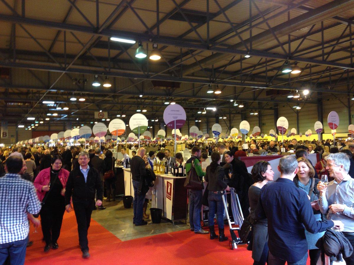 24e édition du Salon des #vins des vignerons indépendants se tient jusqu&#39;à lundi soir à #Strasbourg    https://www. francebleu.fr/infos/agricult ure-peche/consommateurs-et-producteurs-se-retrouvent-au-salon-des-vins-des-vignerons-independants-de-strasbourg-1487444078 &nbsp; … <br>http://pic.twitter.com/izYyIg1BBI