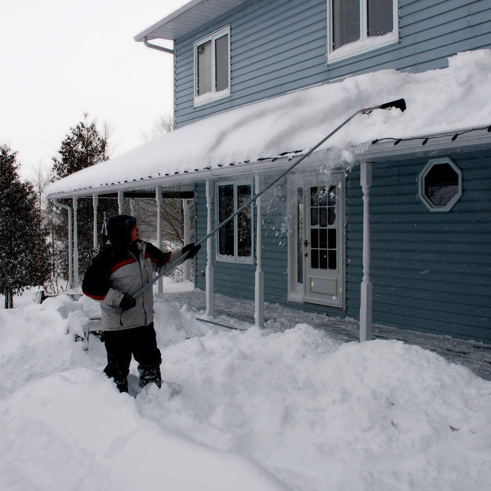 Keep your roof free of snow with a roof rake!   https://www. youtube.com/watch?v=gnbju4 0TInA &nbsp; …   #HomeImprovement #homerepair<br>http://pic.twitter.com/po1BnoFIR5