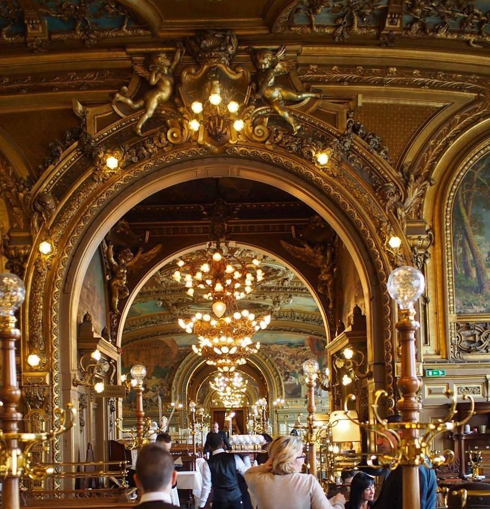 Le train bleu #loveparis #paris #amour #parisian #garedelyon #letrainbleu #restaurant #res…  http:// ift.tt/2kKFTUP  &nbsp;  <br>http://pic.twitter.com/35TtmI4b3j