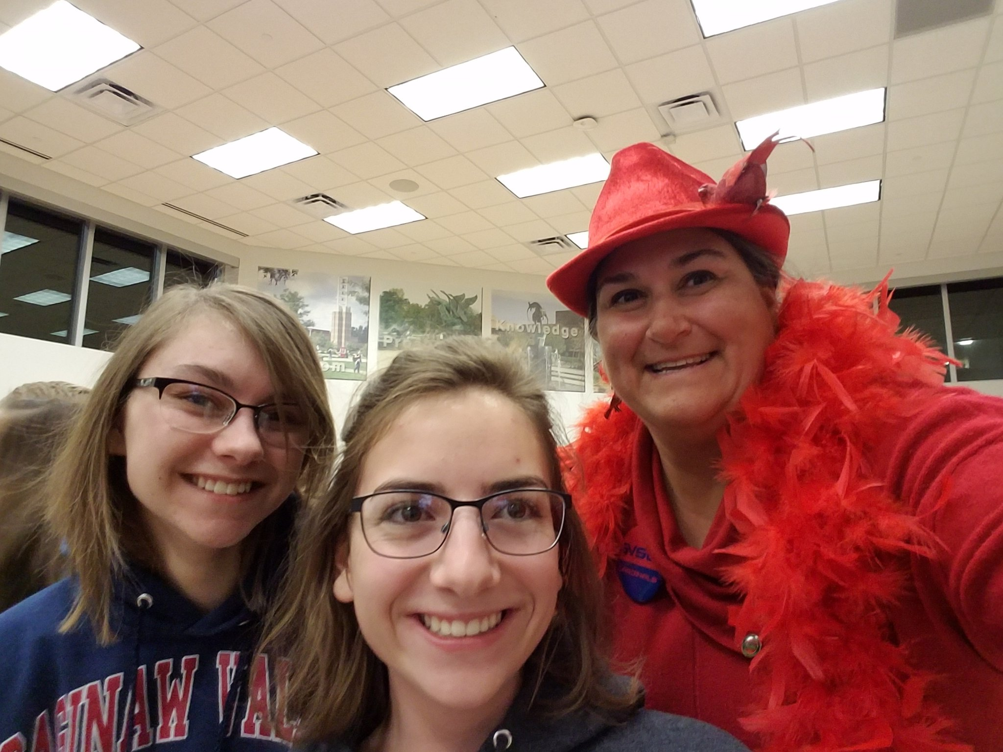 Showing our red pride at I ♡SV week!  #redpride #svsu #wecardinal #i♡sv https://t.co/oHJmz4Nw7Y