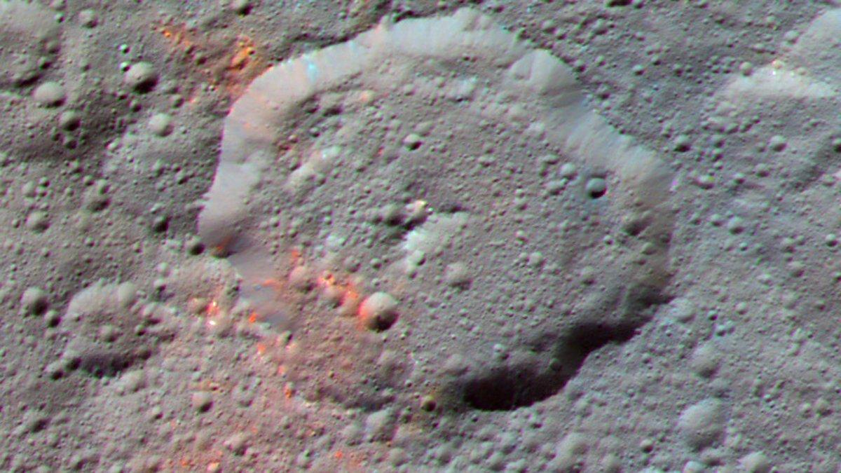 Found: Evidence of organics on #Ceres https://t.co/uIGi0ias1z https://t.co/S2KRJZb1i5