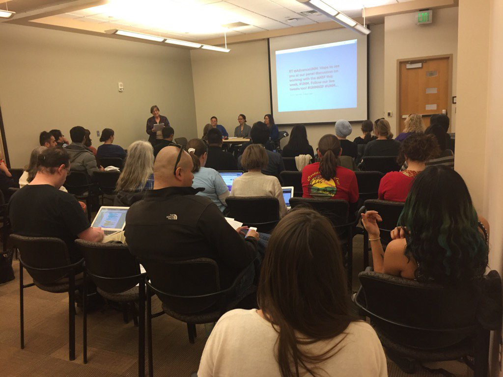 Great turn out for our panel on working w @NSF. Tweet your questions for these experts! #UNMNSF #unm #NSFfunded https://t.co/3moz0wvQ6j