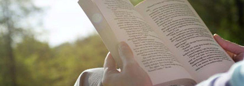 I think, therefore I read....  Cogito; ergo, lego.  #WorldReadAloudDay...