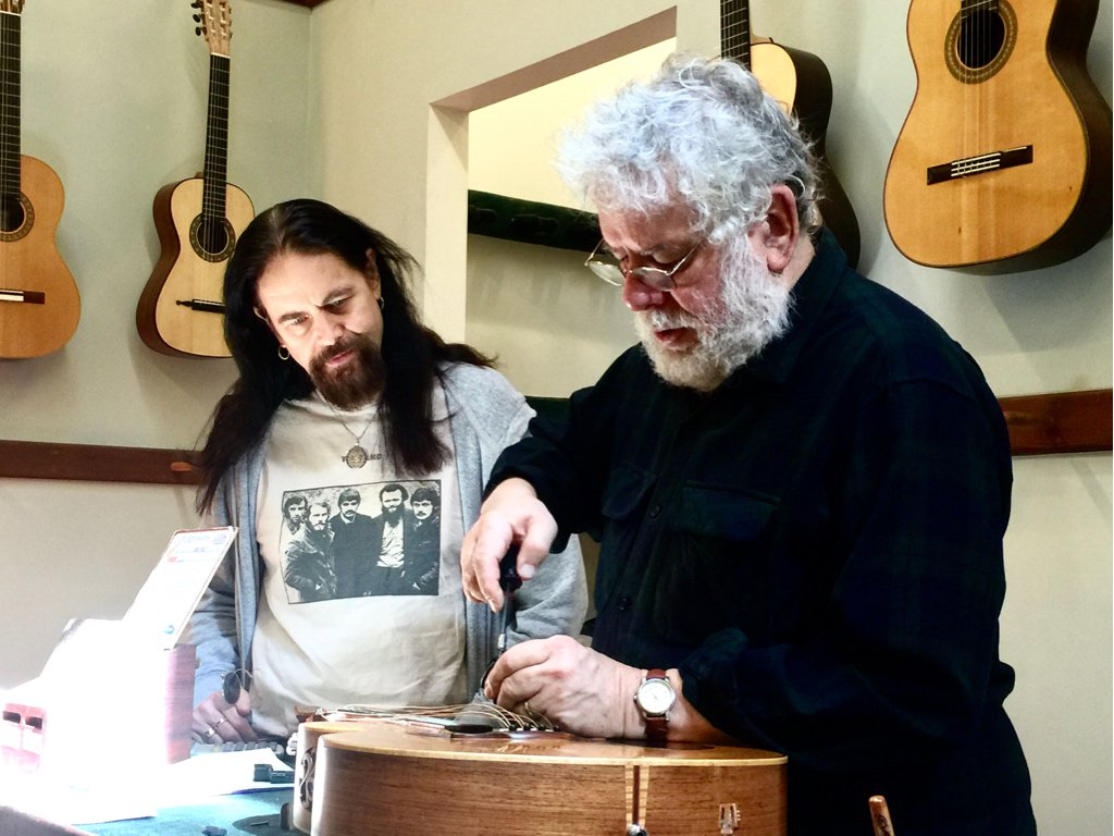 I&#39;m happy my mate John takes good care of my instruments, getting them road ready.. #Tempest #Luthiers #Mandolins<br>http://pic.twitter.com/DSHZMz7pBV