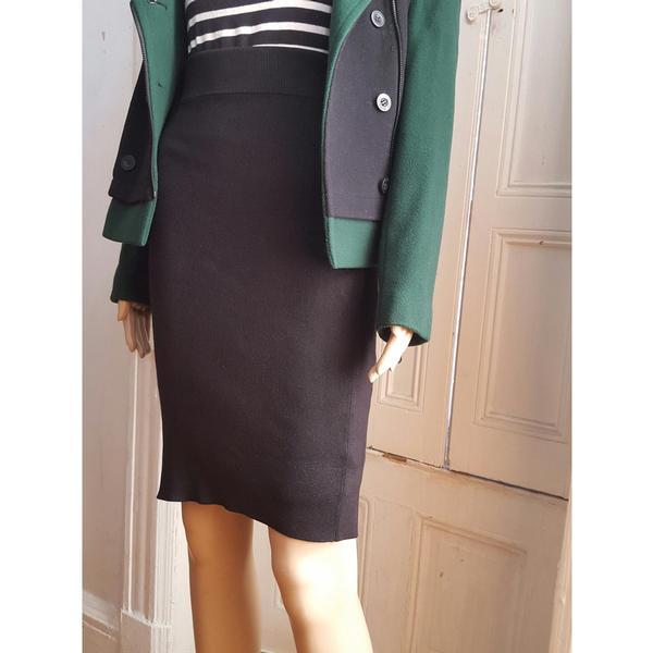 Yves Saint Laurent Silk  Pencil Skirt Large - $88.00   #blacktwitter #BlackOwnedStores @railucille  http:// blacktradelines.com/store/30/item/ 524/Yves-Saint-Laurent-Silk--Pencil-Skirt-Large &nbsp; … <br>http://pic.twitter.com/4rHmFtaM3L