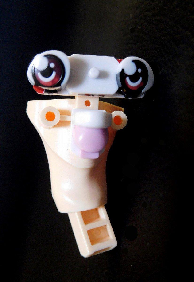 頚部に、別パーツとなった眼球と舌、前歯をはめ合わせるという、アナトミカルな分割を企てたバンダイ。だが…