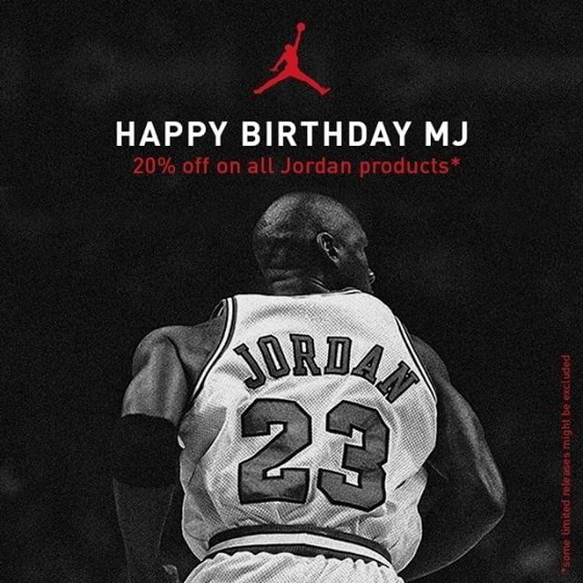 Bonjour bon vendredi à tous bientôt le weeken et bon anniversaire à sa majesté MJ !! #On #Hello #FamousBlackPeople<br>http://pic.twitter.com/lxYWQlASHi