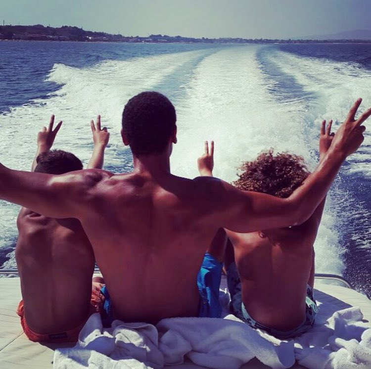 Flashback Friday in action... Boat trip with my two boys back in 2015! ✌🏽✌🏽✌🏽#FlashbackFriday https://t.co/56ZaYyNAYY
