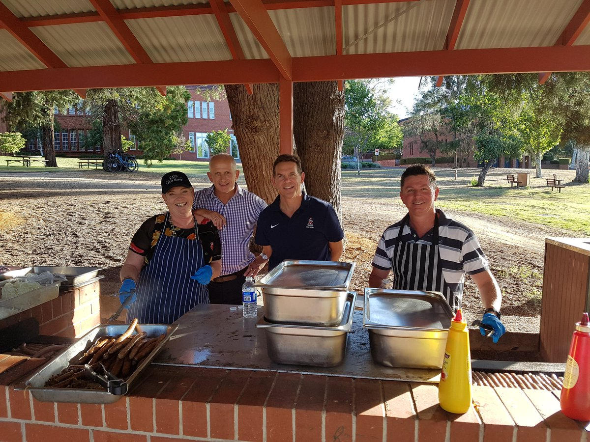 The CGS Family Picnic is happening right now on the Main Oval - snags, drinks, gelato and good company!