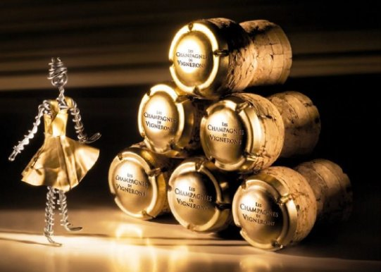 #Champagnes de Vignerons event is coming on March 9th in #Stockholm, check menu and registration  http:// bit.ly/2kQchXa  &nbsp;   @edward_blom<br>http://pic.twitter.com/qcG0V2bhpb