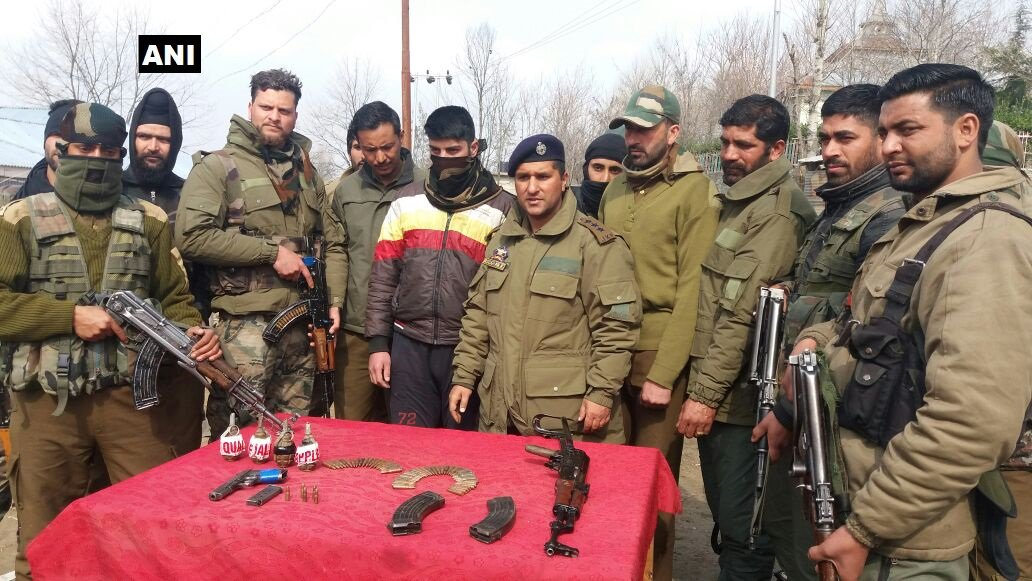 J&K: SOG Baramulla arrests one local fighter of Hizbul Mujahideen in Pattan; Further details awaited