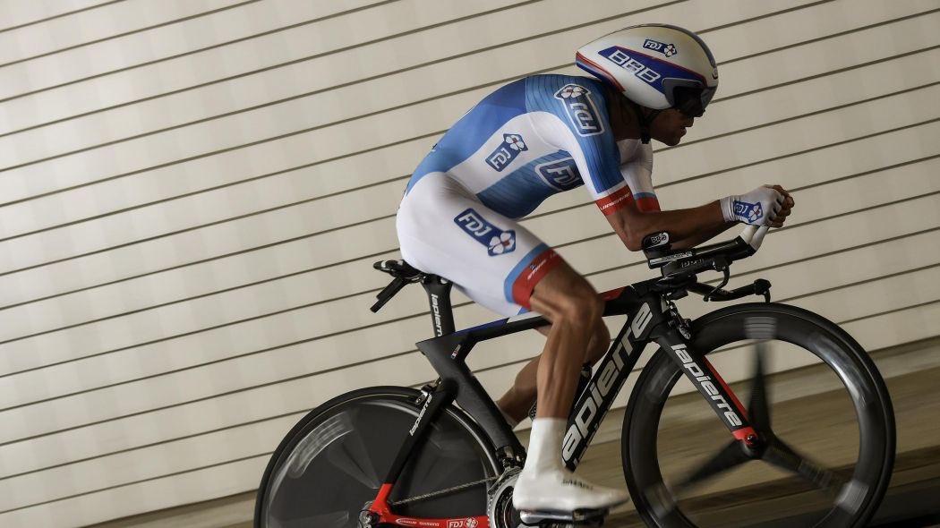 Beau défi pour @ThibautPinot qui partira pour la première fois avec son maillot de champion de France. LIVE 15:30. #E2 <br>http://pic.twitter.com/VFerrK5BzI