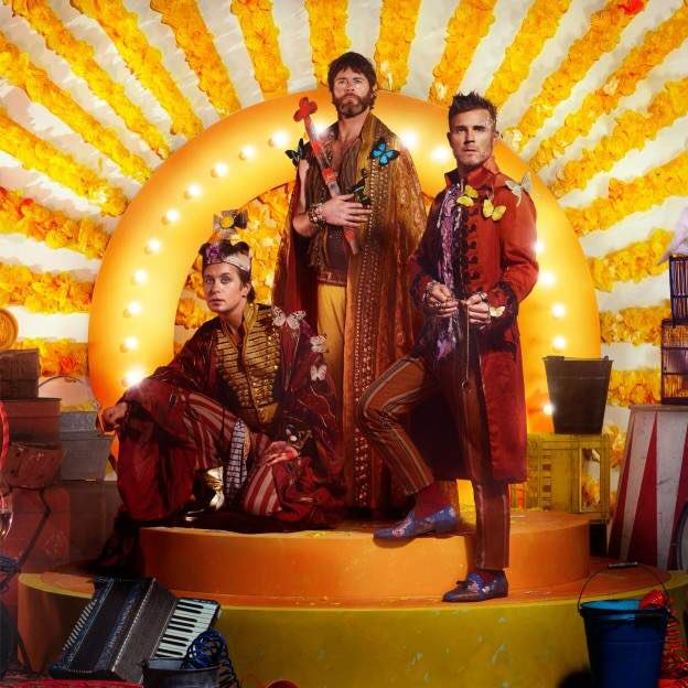 New track #Giants from @TakeThat makes for a great Friday   http:// bbc.in/2m1qmB6  &nbsp;  <br>http://pic.twitter.com/Wc892qP0A9