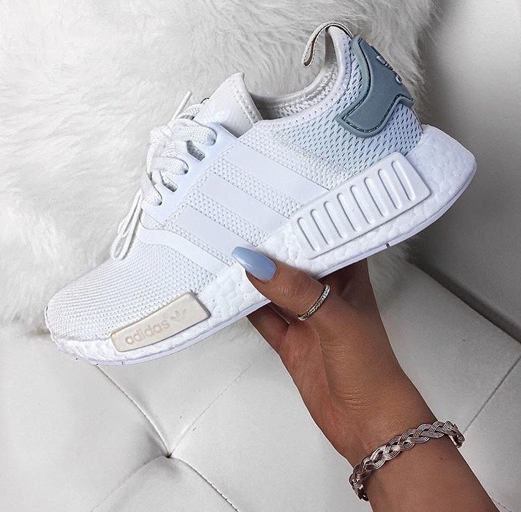 La première paire du jour  First Sneakers  #sneakers #adidas #running #adidasnmd<br>http://pic.twitter.com/WTEqamRFN2