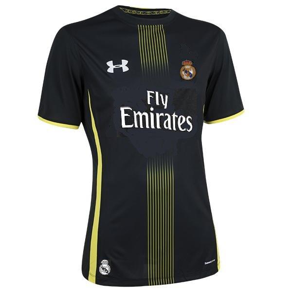 Equipacion Real Madrid 2016-2017 - Página 5 C43cZNfWYAA7cL0