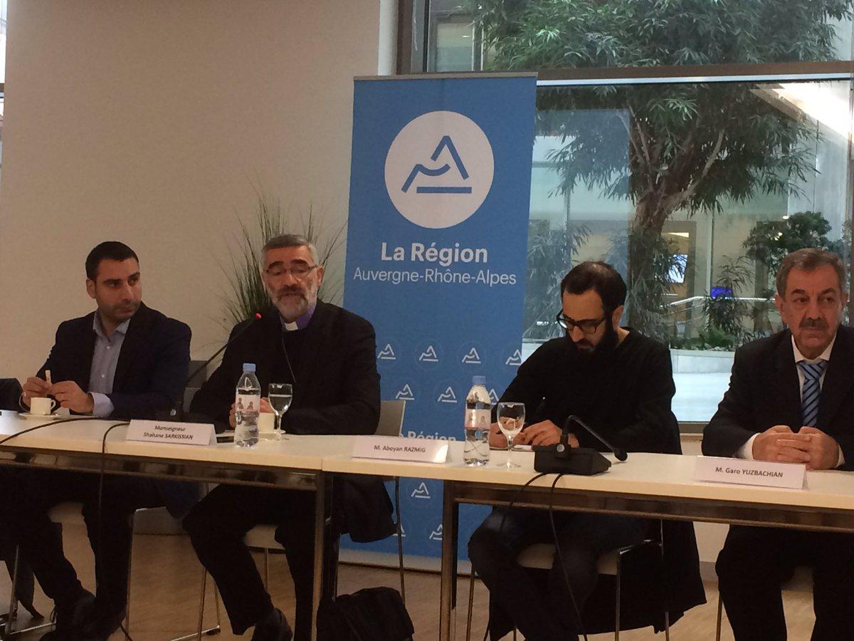 J&#39;assiste à l&#39;audition la région #AuRa de Mgr Sarkissian, archevêque arménien d&#39;#Alep qui nous alarme sur la situation des #ChretiensDOrient<br>http://pic.twitter.com/MM5BNKmtGr