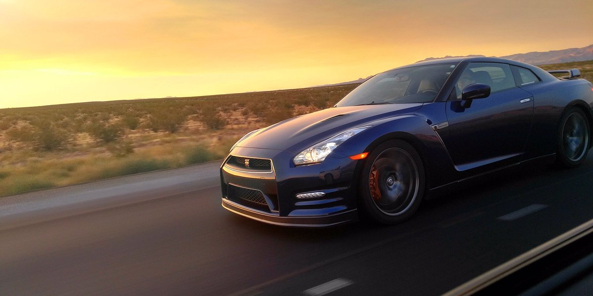 #MyPerfectBreakfastNeeds GT-R… with a side of bacon, to go. – Photo: B...