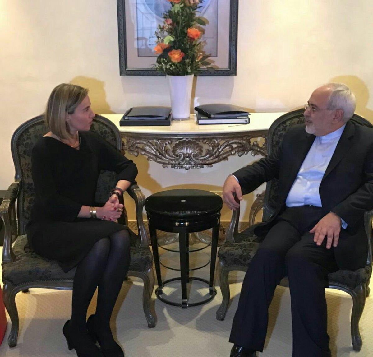 #Iran FM @JZarif met #EU FP chief @FedericaMog, #Russia FM Lavrov, #Turkey FM @MevlutCavusoglu &amp; #France FM @jeanmarcayrault in #Munich.<br>http://pic.twitter.com/eZmzJb6qM0