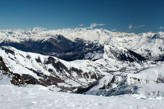 Étude: les glaciers alpins fondent à très grande vitesse à cause du #changementclimatique  http:// bit.ly/2kER9Cf  &nbsp;   @CNRS @INEE_CNRS #climate <br>http://pic.twitter.com/eT9MwV92V3