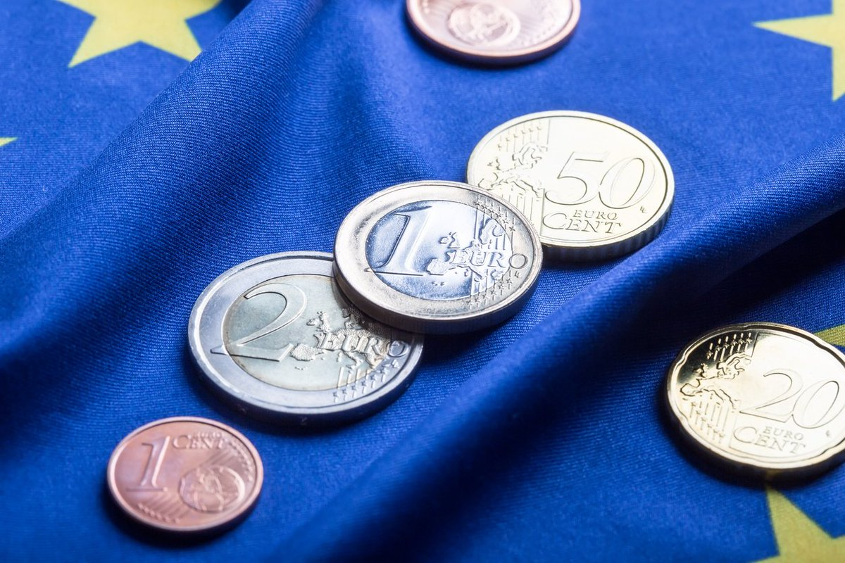 L'investissement en zone #euro : panne de moteur, un billet d&#39;@ArthurSode  http:// ow.ly/RrfrO  &nbsp;     #ZoneEuro <br>http://pic.twitter.com/B1hVDrYNCW