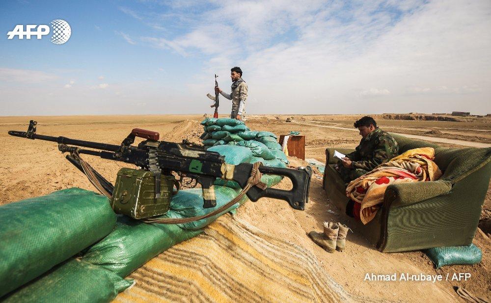 A Hashed al-Shaabi position near Tal Afar @AFPphoto by A. Rubaye