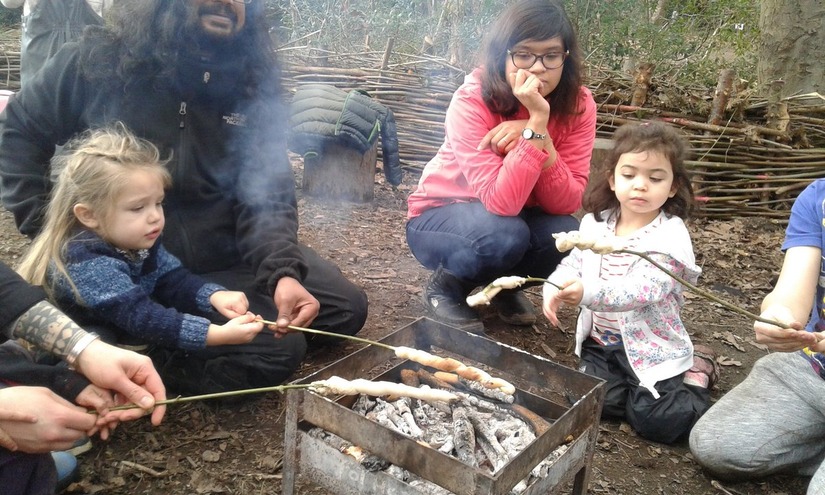 Last day of half term #forestschool @FoTHCP #London #MileEnd #Bow. Lots of #cooking on #fire #Breadtwists #popcorn #marshmallows.<br>http://pic.twitter.com/WWptEvrGta