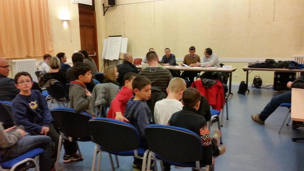 Assemblée générale du club de #lutte  à #Eybens<br>http://pic.twitter.com/ei9aA5UUJE