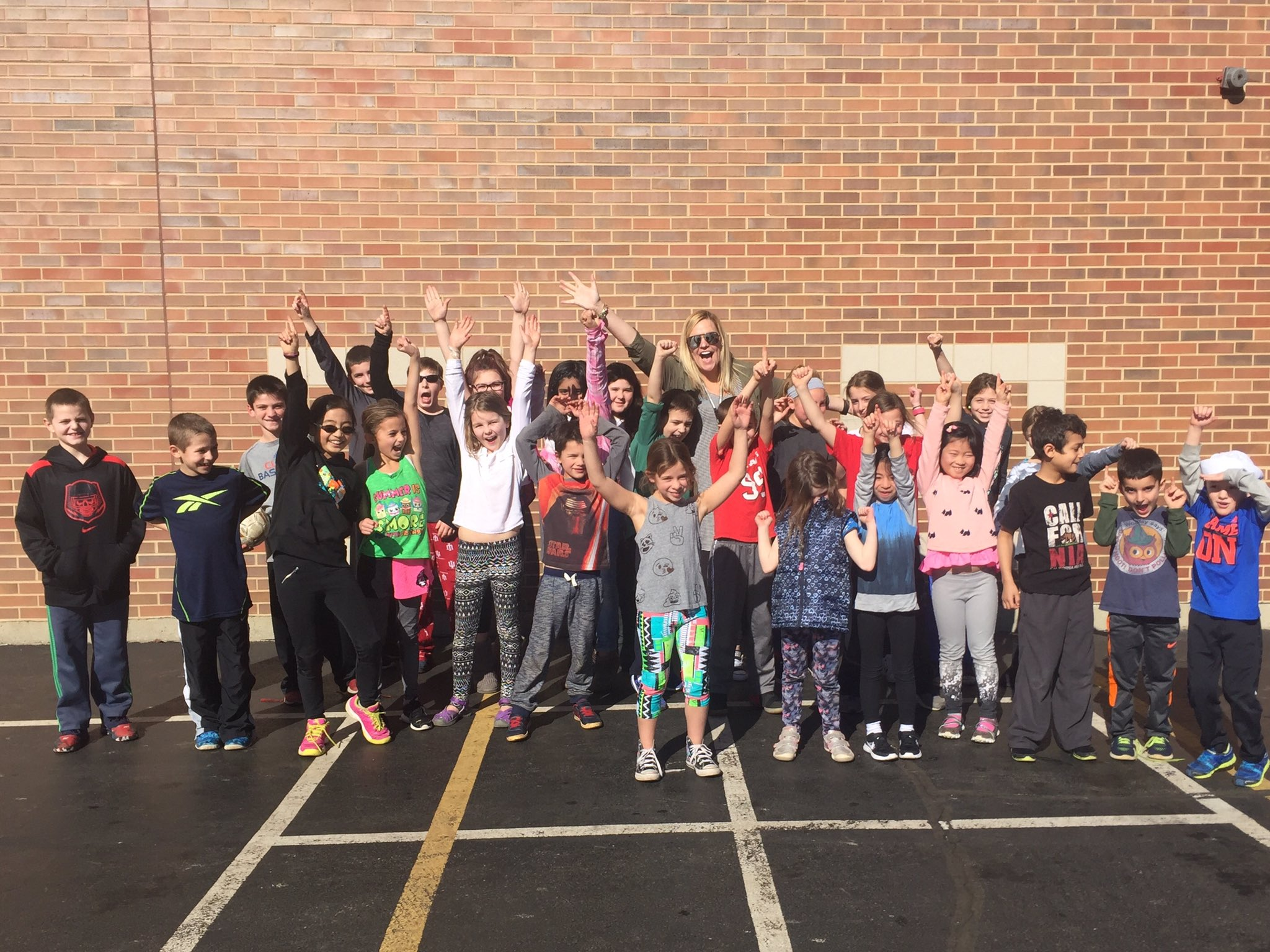 Congrats to these Parker200 winners- they earned an extra recess on this beautiful day! #sp109 https://t.co/XcnFltnyqS