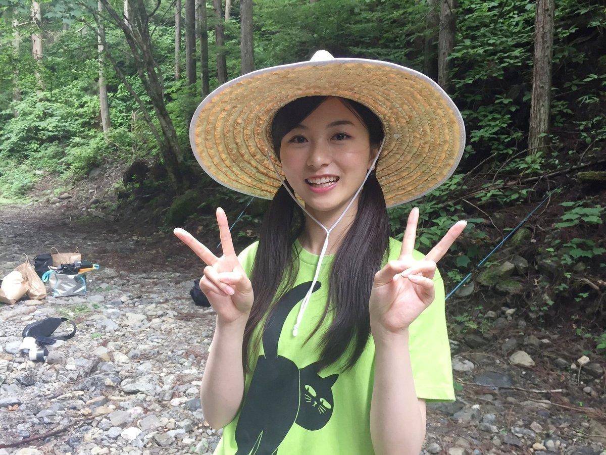 佐々木琴子の麦わら帽子画像