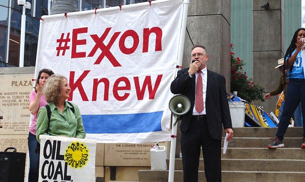 Momentum builds for AGs to investigate what #ExxonKnew.  http:// bit.ly/2kf0EbU  &nbsp;   Thanks @RepHuffman @RepTedLieu @RepDeSaulnier @RepZoeLofgren<br>http://pic.twitter.com/ryDdRW76f3