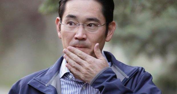 Le vice-président de #Samsung, Lee Jae-Yong, a été arrêté pour corruption et trafic d&#39;influence    http:// buff.ly/2l0Rp1G  &nbsp;  <br>http://pic.twitter.com/KWFzsq6K6Q