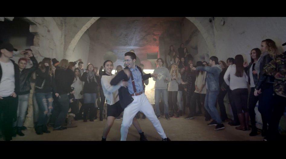 #VideoMusic 📢  #SoloDance 👯 #MartinJensen 🔊  #BeMusic 🎶 #ExaTV 📺 https...
