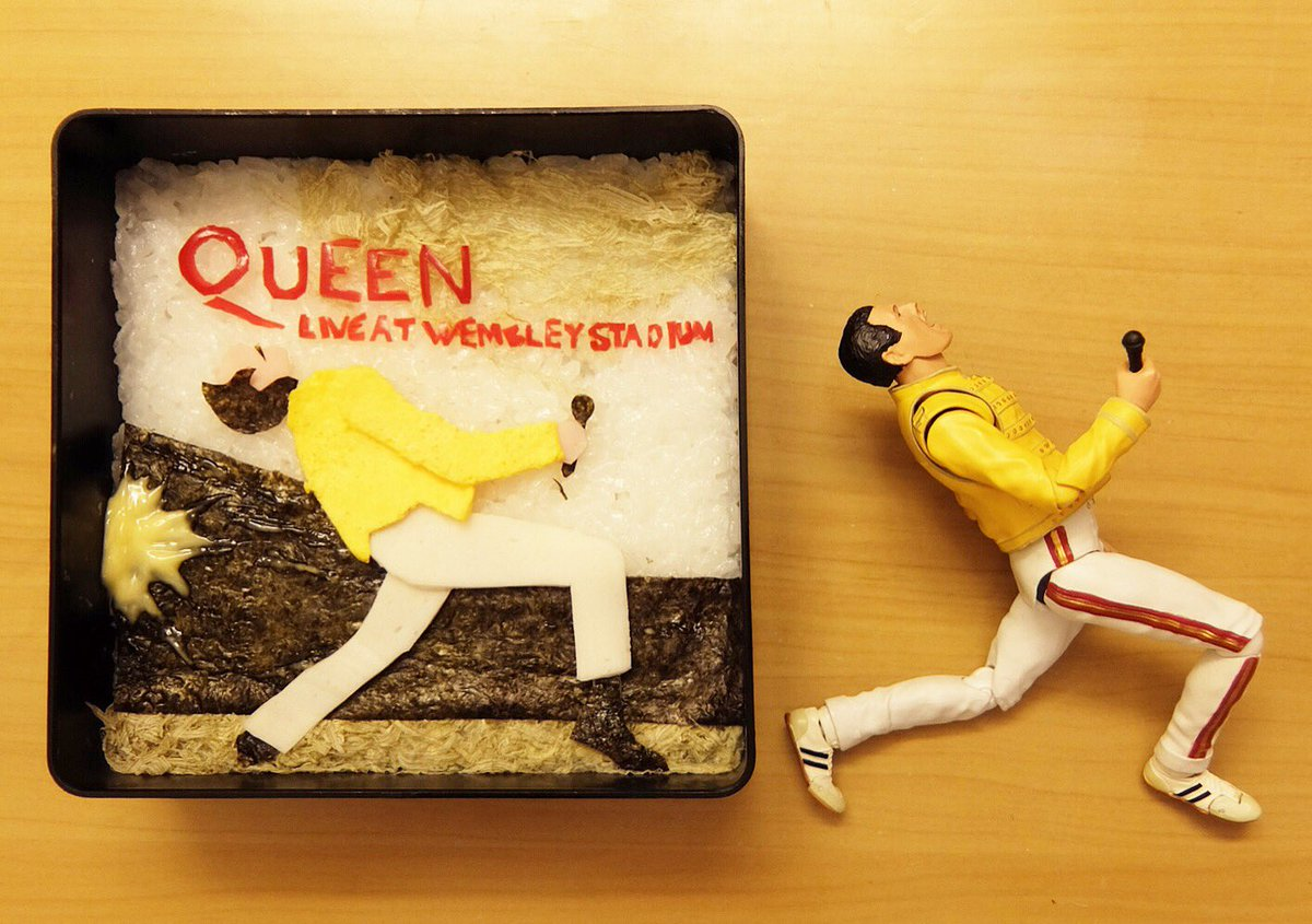 QUEENのジャケ弁を作ったよ  #QUEEN #FreddieMercury #FigureArts #ジャケ弁  #obento  #Lunch  記事はこちら https://t.co/2Q7r1nNVpM https://t.co/46MG8bWNk4