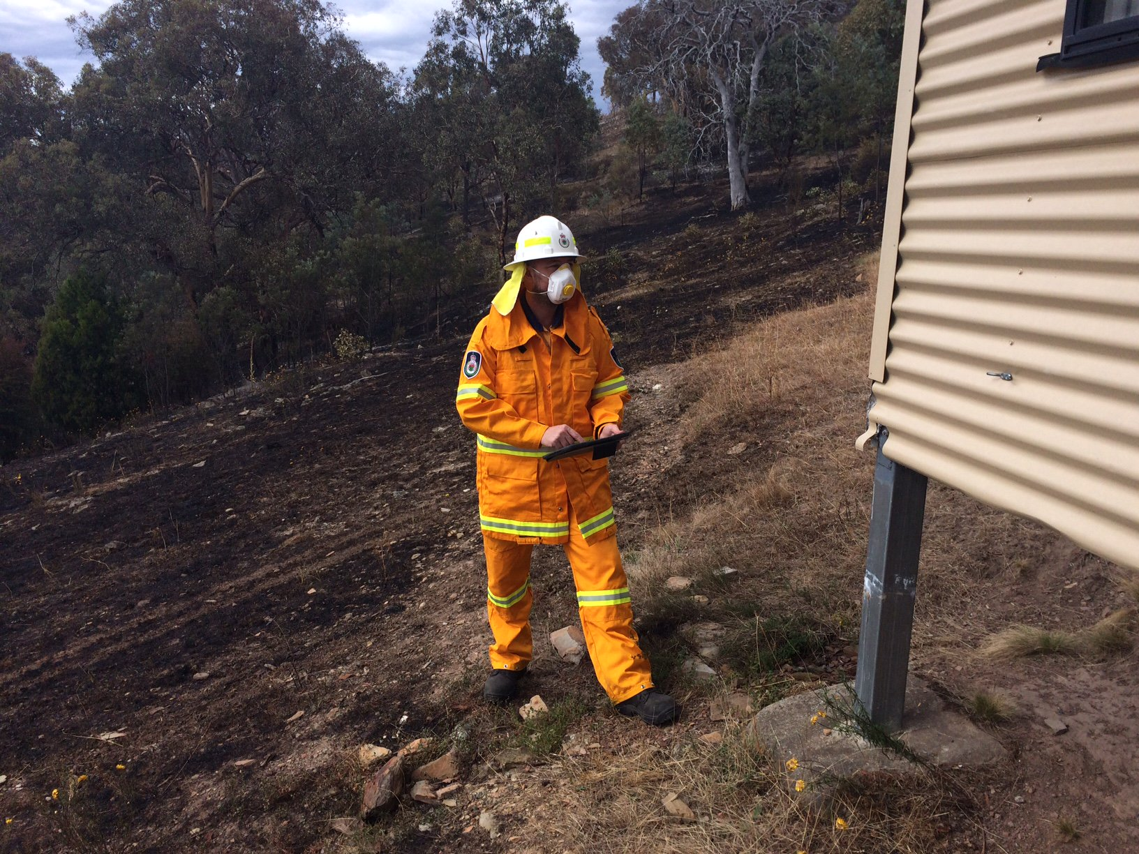 Thumbnail for Bushfire destroys homes in Carwoola and Queanbeyan