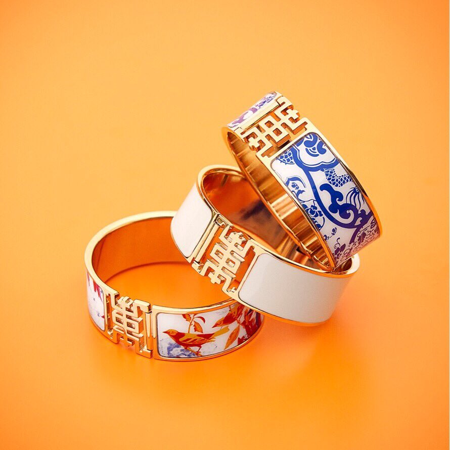 Shanghai Tang 上海滩 On Twitter Put Your Exquisite Enamel Bangles To Accessorise Weekend Look Jackytsaiart Shanghaitang