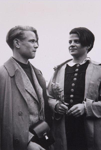 'Weiße Rose': Heute vor 74 Jahren legten die Geschwister Scholl Flugblätter in Uni München aus (-Archiv) https://t.co/ouZq1p5mah