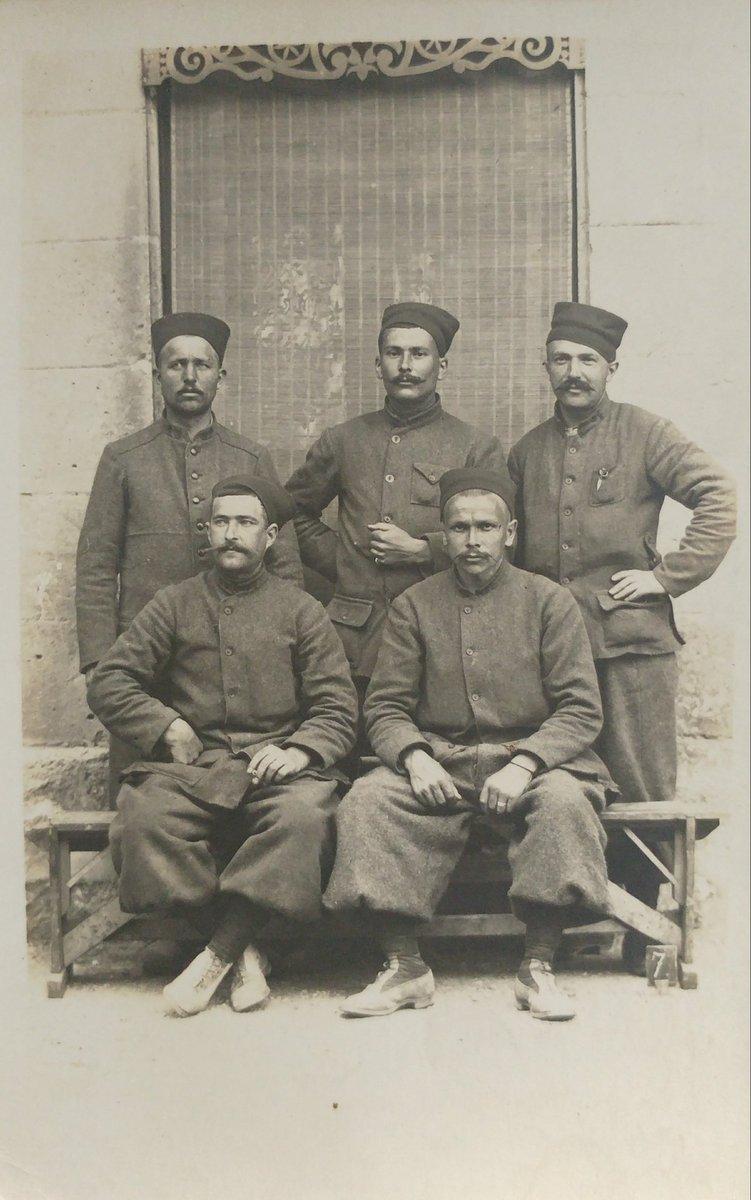 #1GM Dernière acquisition. Des photos de Zouaves prises vraisemblablement dans les Balkans durant la #Grande Guerre. <br>http://pic.twitter.com/GeTsNHNZ6k
