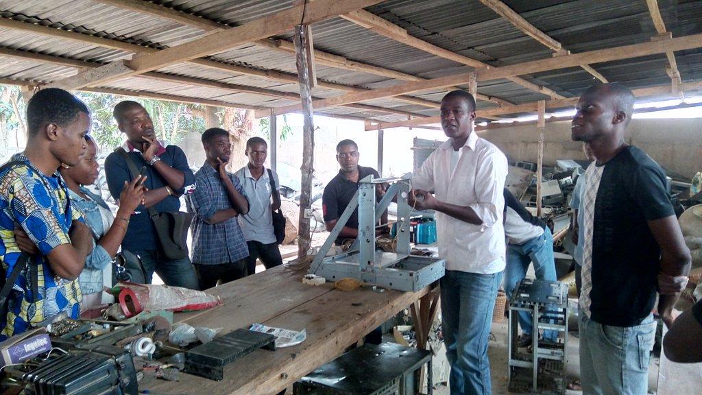 @afateafate  nous parle des différents méthodes #3Dprinting . @EcoTecLab @minodoo228 @RichardFollY1 @elkwaet @AKEAmazan @tadegnon @dhonou<br>http://pic.twitter.com/bGFsNEvcpr