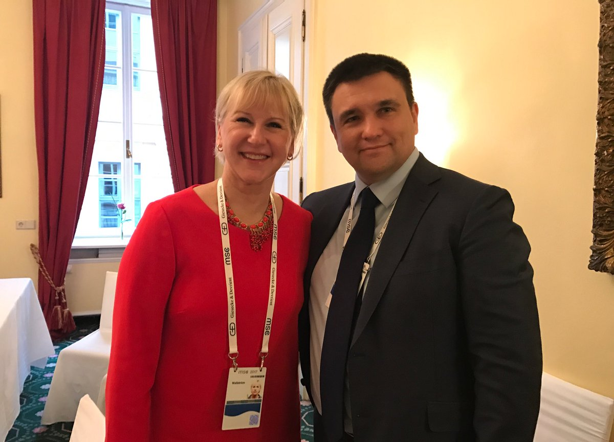 Good to meet my Ukrainian colleague @PavloKlimkin. Strong cooperation, bilaterally and in the #UNSC. #MSC2017