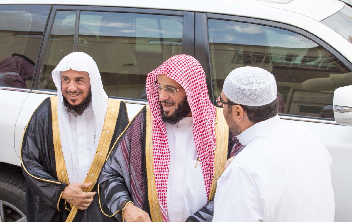 سعدت برؤية الشيخ #عائض_القرني أثناء زيارته لـ #الطائف والتقطت هذه الصور   https://t.co/fpH7070ljC https://t.co/4HhHLzYscH
