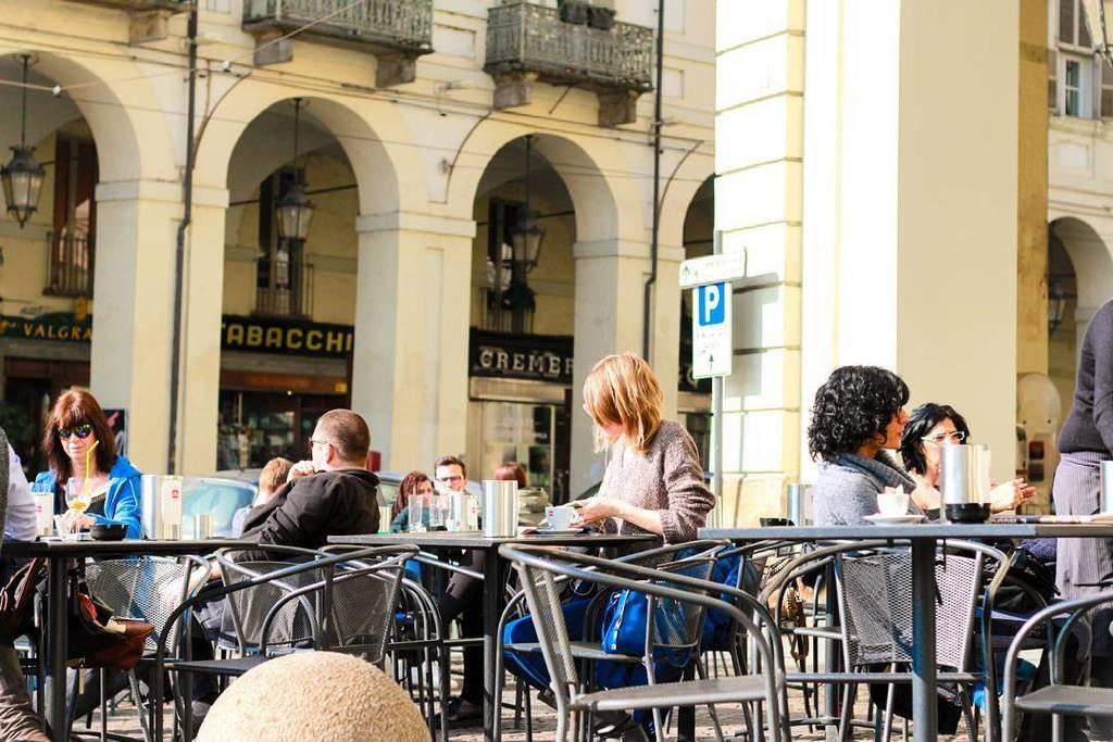 Au café  #Turin #Italy  http:// ift.tt/2kIXywi  &nbsp;  <br>http://pic.twitter.com/nvnJiyXrue