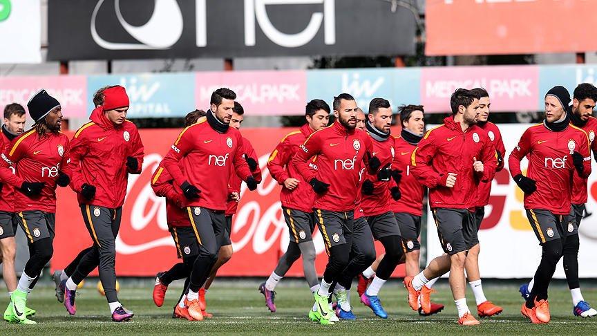 Galatasaray Kulübünden 'sakat futbolcular' açıklaması https://t.co/tRi...