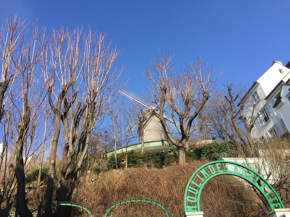 Un été en février ! @ #Montmartre  http:// instagram.com/p/BQp_IXRldPs/  &nbsp;   #HomeSweetHome #ParisIsBeautiful<br>http://pic.twitter.com/D9SPtbE83q