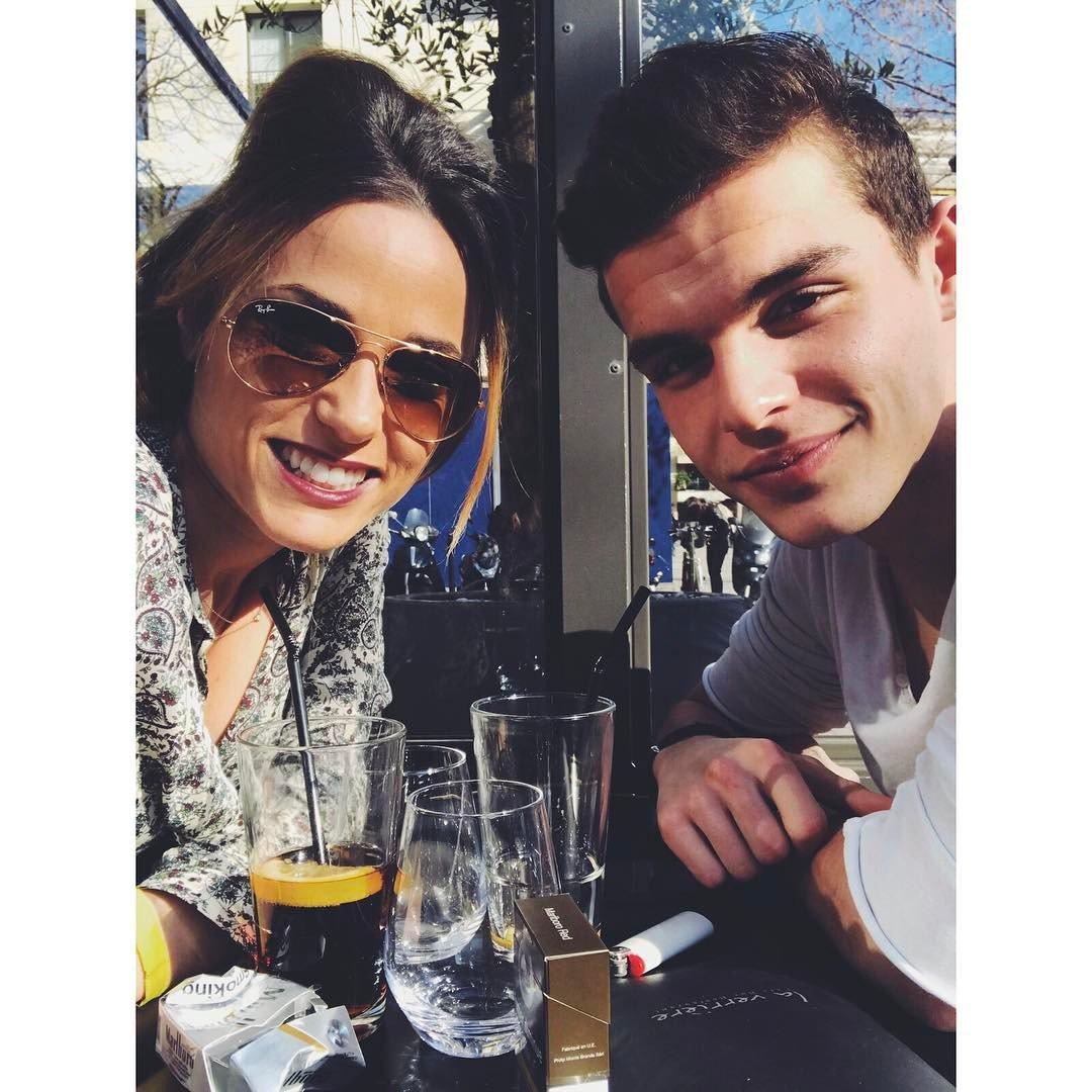 PHOTOS: @CapucineAnav et @CastaldiJulien passent l&#39;après midi ensemble entre amis  #Capucine #JulienCastaldi #Friends<br>http://pic.twitter.com/4nCMrKK8dg