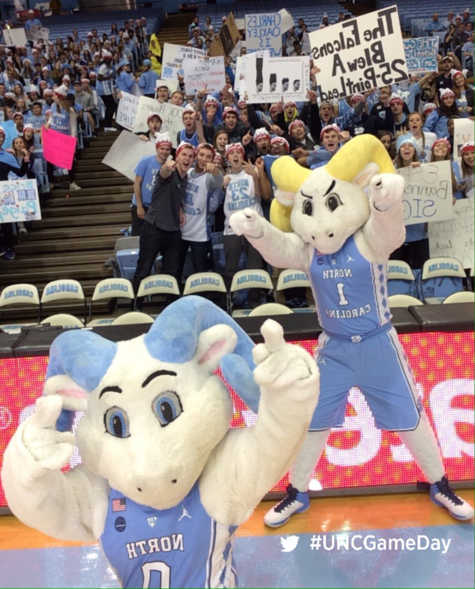 Gamedays  in the Dean Dome  We ready #GoHeels <br>http://pic.twitter.com/3jAPY70DGs &ndash; à Dean E. Smith Center