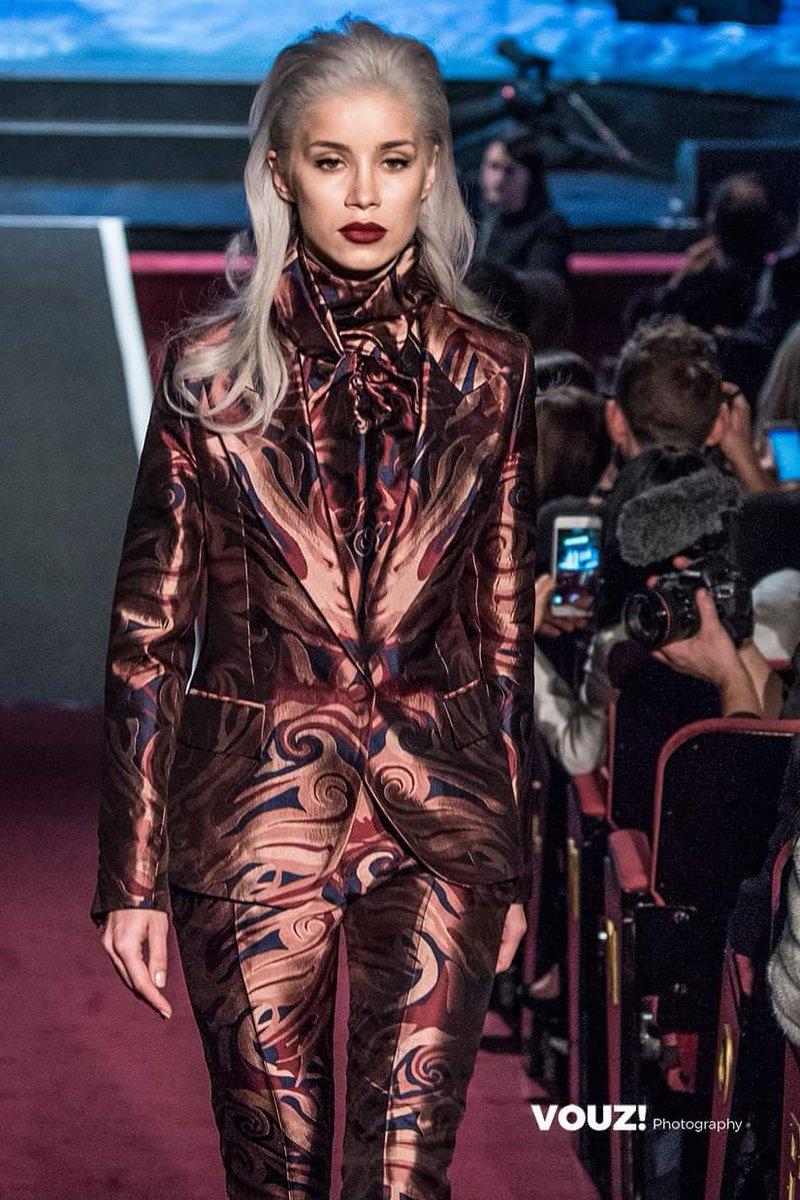 Vouz Magazine captures moments of #LFW #lfw2017 #fashion #models  #londonfashionweek #FashionWeek @VOUZ_Magazine @VisualDevotion #saturday<br>http://pic.twitter.com/pGs97mTPTc