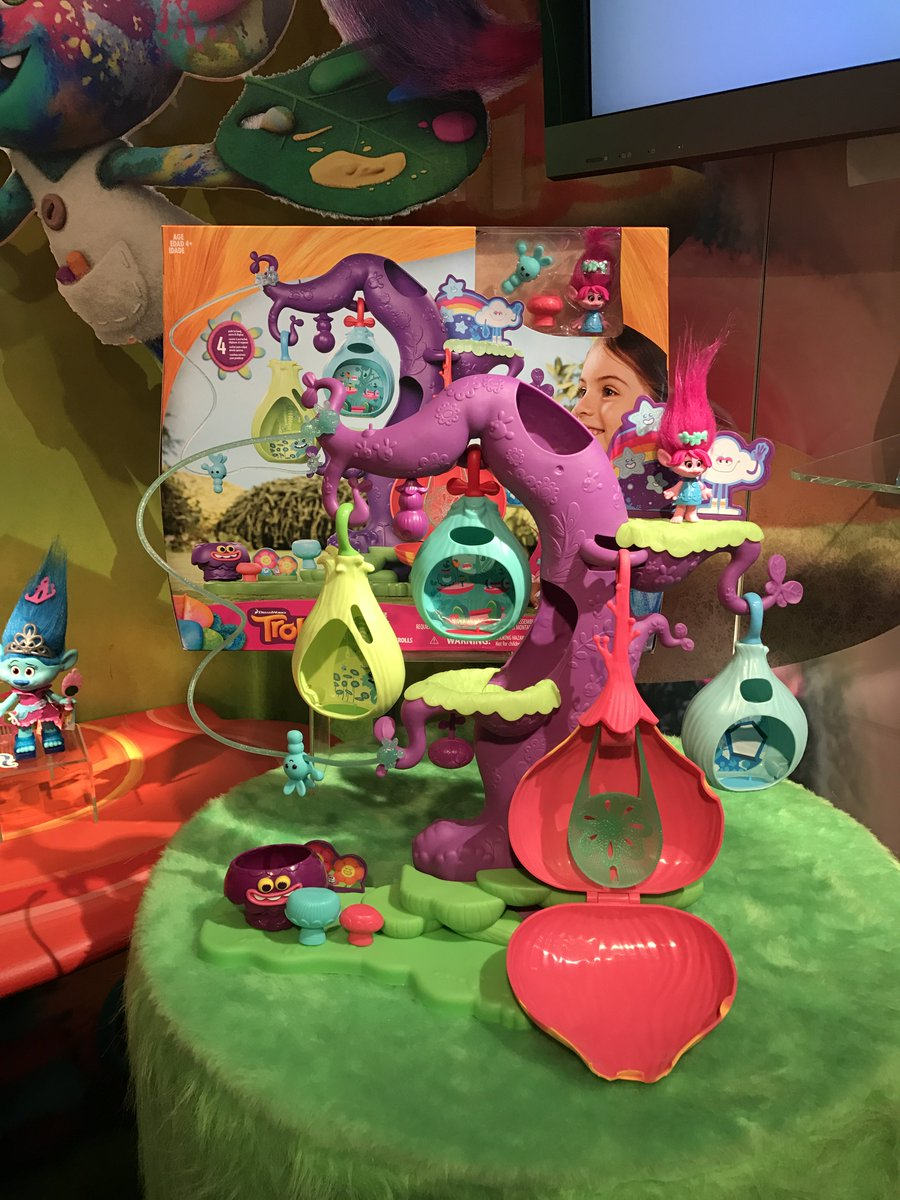 Sing and dance your way into new adventures with the #DreamWorksTrolls figures and playsets #HasbroToyFair