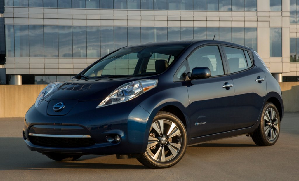 The 12 greenest cars of 2017—including the @NissanUSA  Leaf. https://t...