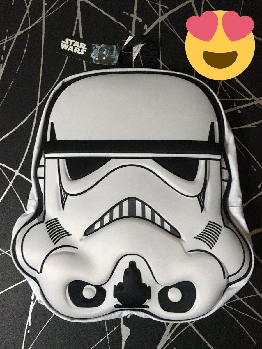 J&#39;adore mon nouveau sac à dos #StarWars #stormtrooper  Sinon je ne souffre pas du tout de #StarWarsMania <br>http://pic.twitter.com/1Odadv2Xec