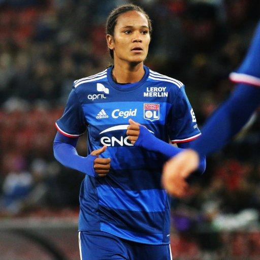 Quizz du jour : la réponse était la capitaine de l&#39;OL féminin et de l&#39;équipe de France @WRenard #quisuisje #WomenSports #football #OLFéminin <br>http://pic.twitter.com/0IlsaRBRLU